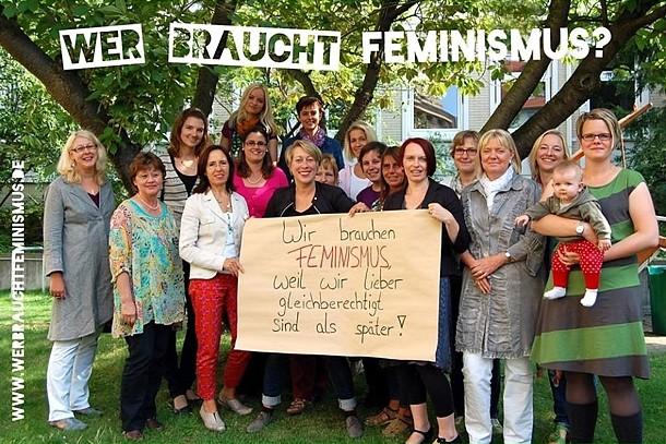 """""""Wir brauchen Feminismus, weil wir lieber gleich-berechtigt sind als später!"""" (AG der Gleichstellungsbeauftragten Region Hannover)"""